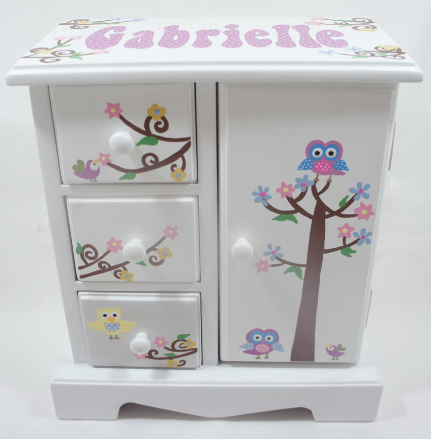 Personalized musical jewelry boxes for girls to store and decor personalized jewelry boxes for girls negle Images